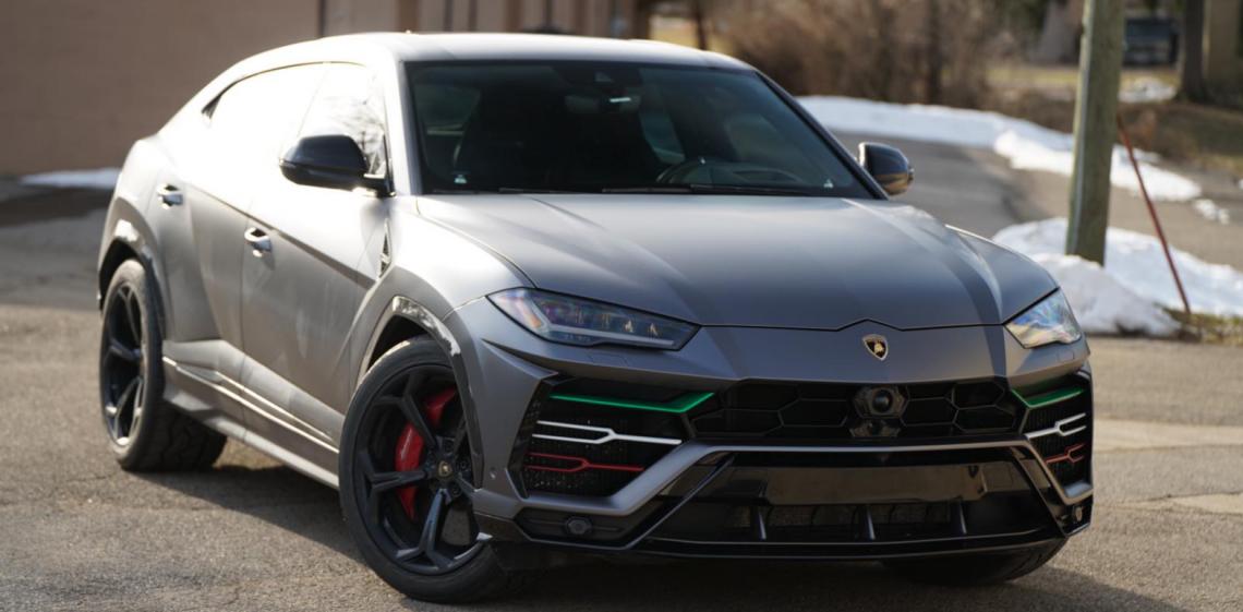 Rent Lamborghini Urus